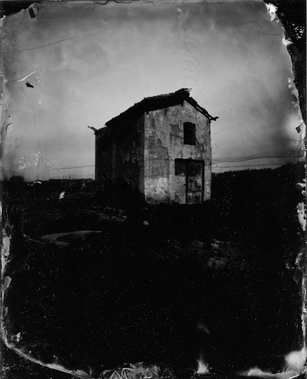 House, Leonardo Pinhole Camera, Wetplate Collodion on black glass, ©Joanna Epstein
