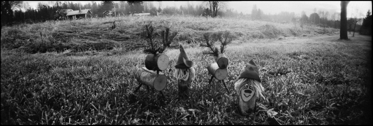 Elves and Reindeer, Reality So Subtle 141, Kodak 400TX, ©Olle Pursiainen 2015